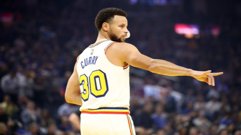 Ni con Stephen Curry en cancha ganan los Golden State Warriors